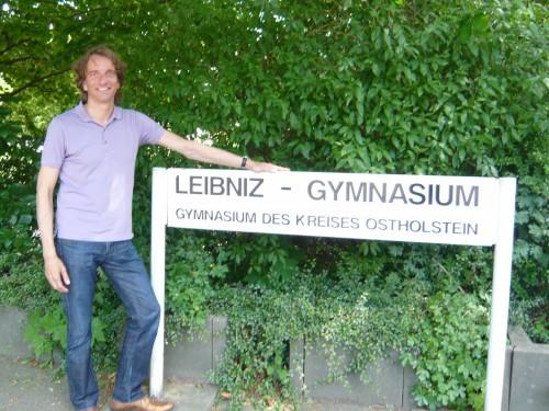 2008-06-06-leibniz-revisited-wdllcrd4-f.jpg