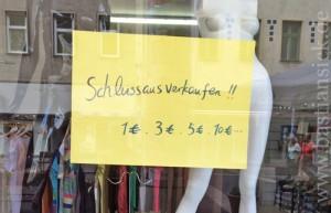 Schlussausverkaufen_WZ (Auslage in Wien) (c) Dina Maestrelli 23.07.2015_nUtouMqp_f