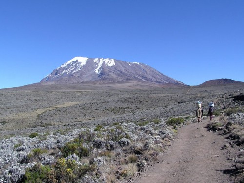 Kibo_summit_of_Mt_Kilimanjaro_001.JPG_NkouXBXs_f.jpg